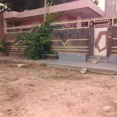 Maison de 600 m² avec Titre Foncier à vendre à Arconville.