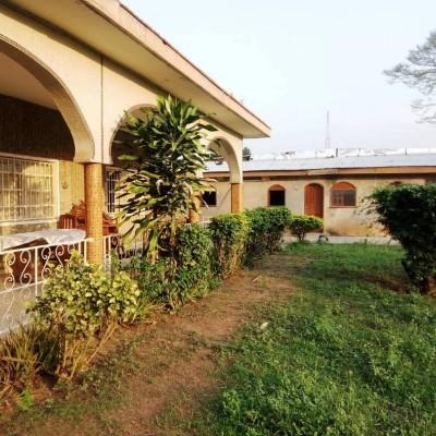 Villa-en face hotel Président-Yamoussoukro-Africa immo.