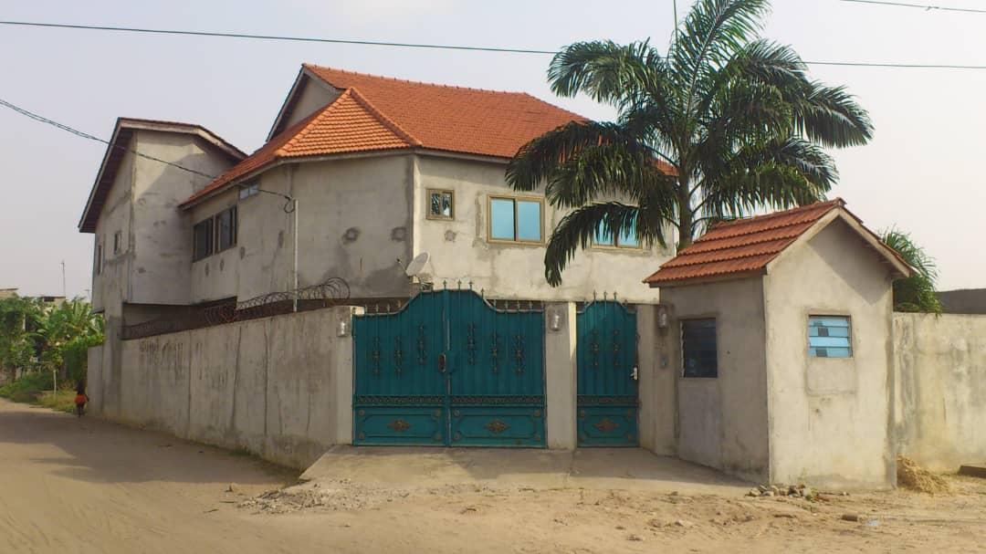 01 Maison R+1 sur TF à vendre à Calavi